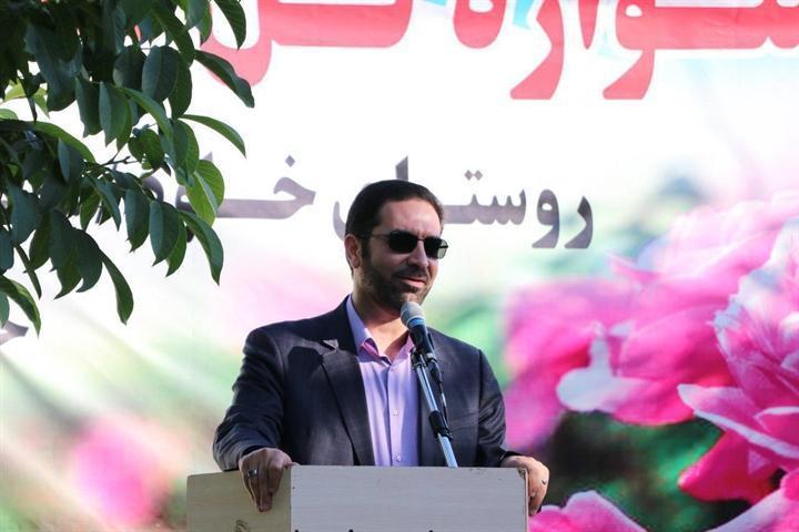 برگزاری چهارمین جشنواره گل محمدی در روستای خاوه اردهال شهرستان دلیجان