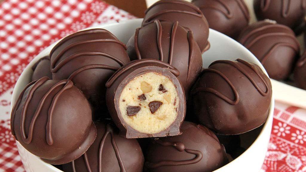 طرز تهیه دسر ترافل شکلاتی مغزدار