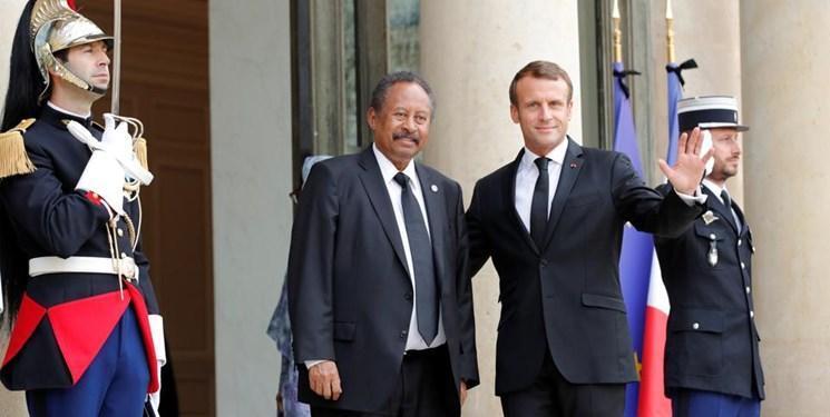 ماکرون: برای خارج کردن سودان از لیست کشورهای حامی تروریسم کوشش می کنیم