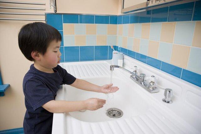 چند توصیه برای تشویق بچه ها به شستن دست ها