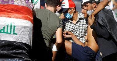 جوان معترض عراقی با خود یک شیر به میدان تظاهرات آورد