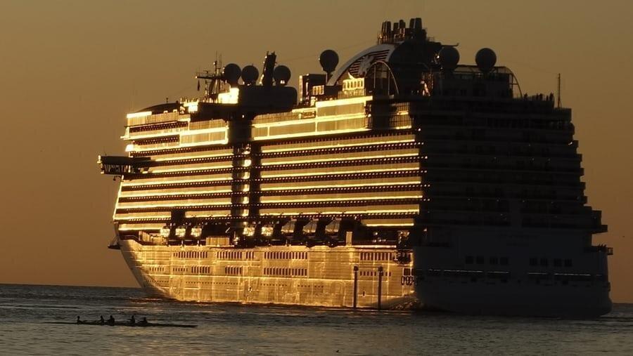 نکات مهم برای سفر با کشتی ، چطور در سفر دریایی دچار دریازدگی نشویم؟