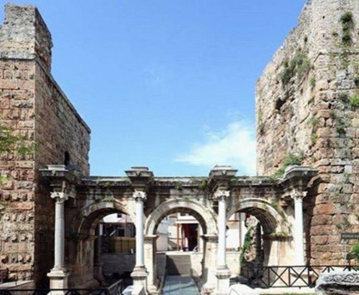 دروازه هادرین Hadrian-آنتالیا - ترکیه