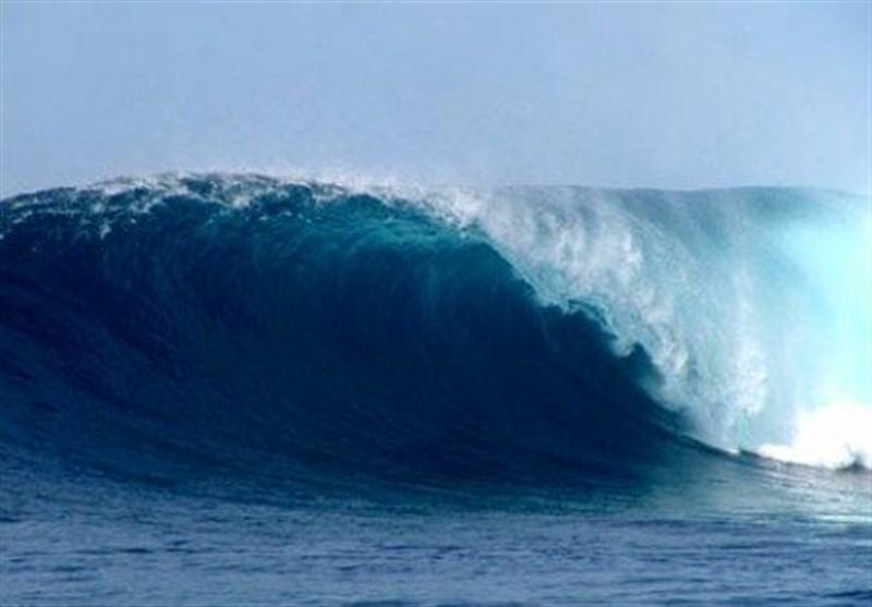 پیش بینی امواج 4 متری در شرق دریای عمان، هشدار خسارت به تاسیسات دریایی