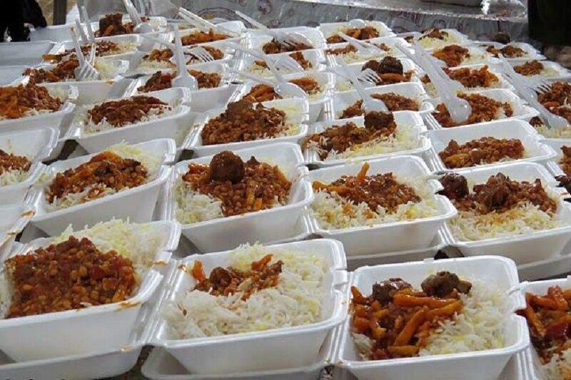 250 وعده غذای نذری بین خانواده های احمدآباد بجنورد توزیع شد