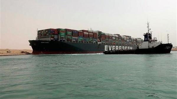 ازدحام کشتی ها در کانال سوئز رو به کاهش است