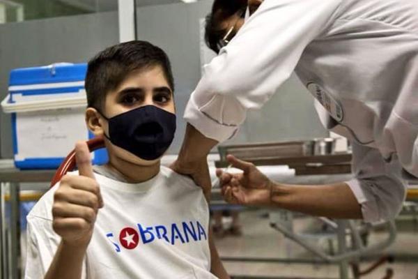 ادعای جنجالی مینو محرز درباره واکسن مشترک ایران و کوبا